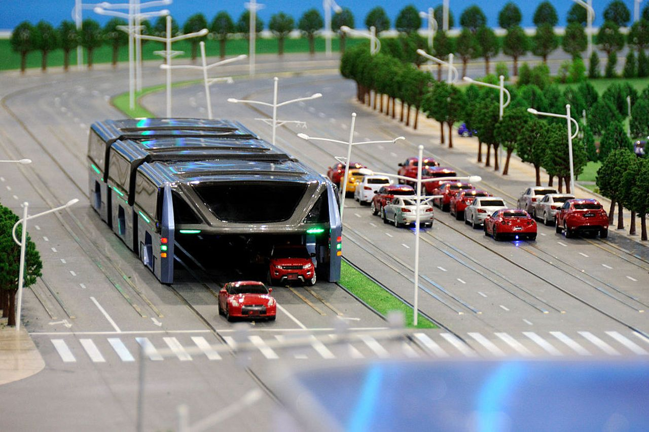 China built a giant traffic-straddling bus.